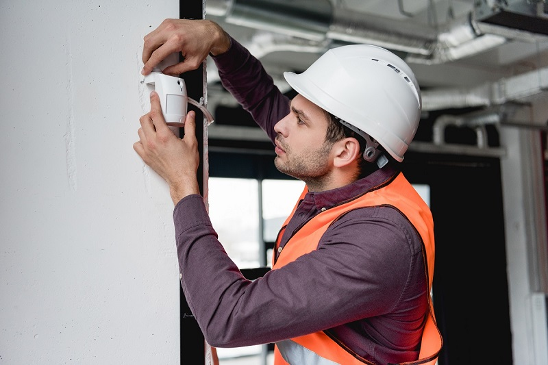 technicien installateur d'alarme